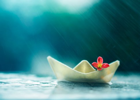 little_boat_and_summer_rain_by_arefin03-d7lytbe.jpg